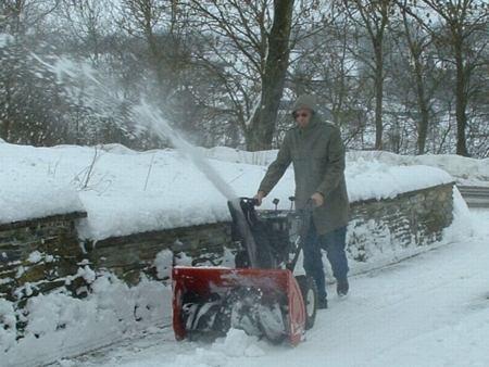 werken met de sneeuwfrees