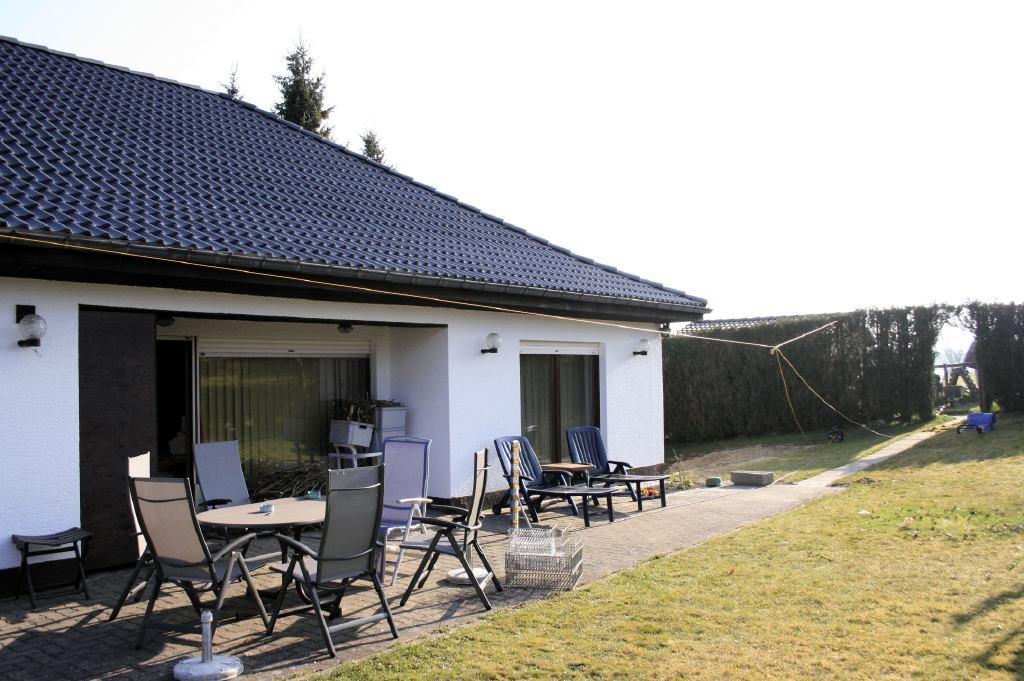 Grasveld vertikuteren pas op voor de stroomkabel welcome to wirtzfeld - Gespannen terras ...