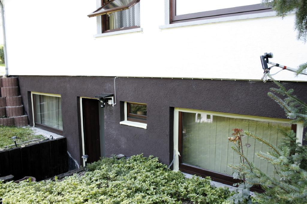 Witte Keuken Schilderen : Eerst dus de ramen van keuken voordeur ...