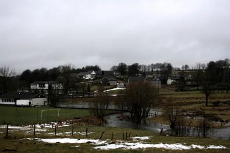 de beekjes in Wirtzfeld kunnen het water niet langer slikken...